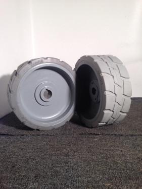 Genie Scissor Lift GS-1930 Solid Tires