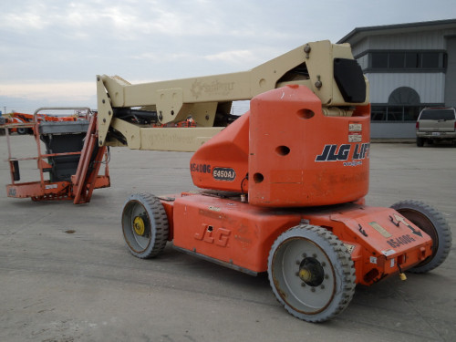 2005 JLG E450AJ