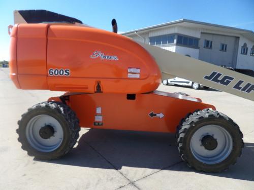 2010 JLG 600S