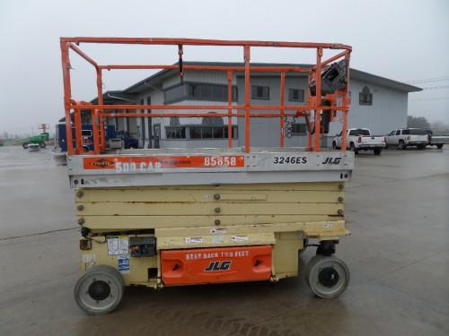2009 JLG 3246ES