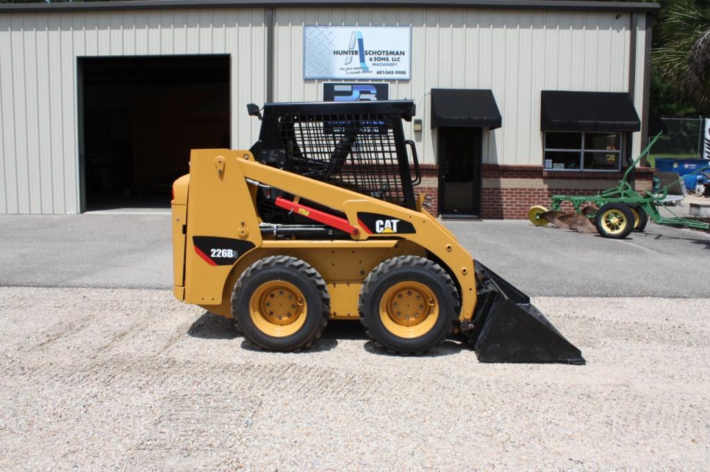 Buy Wheeled Skid Steer Loader CAT 226B3 MVR17701 for Sale